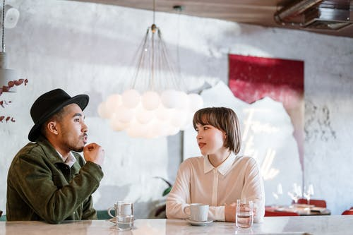 7 Questions to ask yourself after a first date